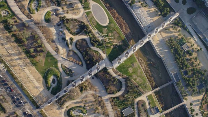 ¿Conoces los 33 puentes de Madrid Río?