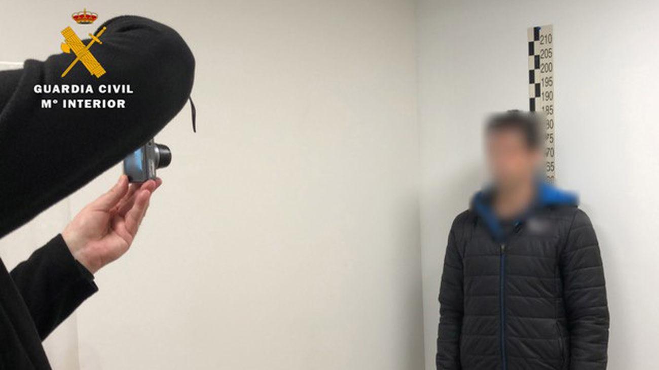 Uno de los detenidos por abuso sexual de menores mediante una web de citas