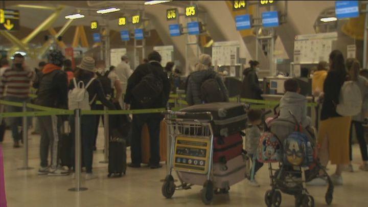 Las aerolíneas piden que los extranjeros vacunados puedan entrar a España sin PCR