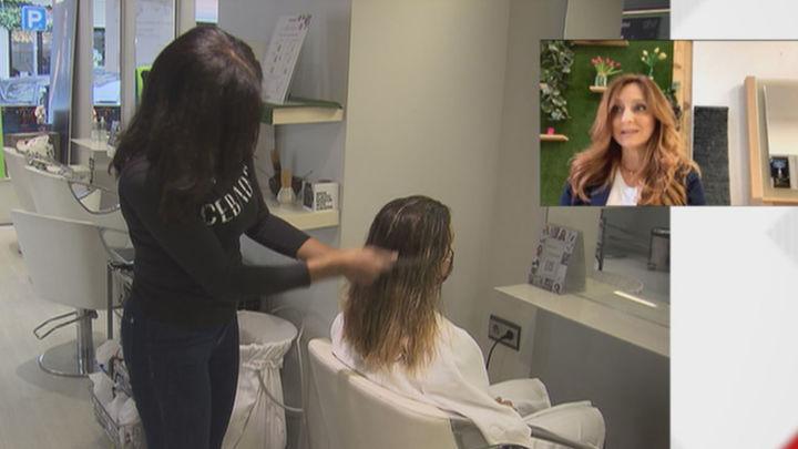 """Las peluquerías denuncian estar """"con el agua al cuello"""" y piden que baje el IVA"""