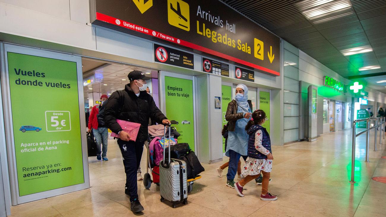 Viajeros en la Terminal T1 del Aeropuerto Madrid Barajas