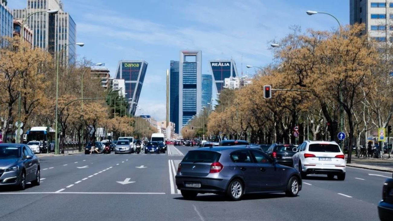 Los coches grandes pagarán más por aparcar en las ciudades