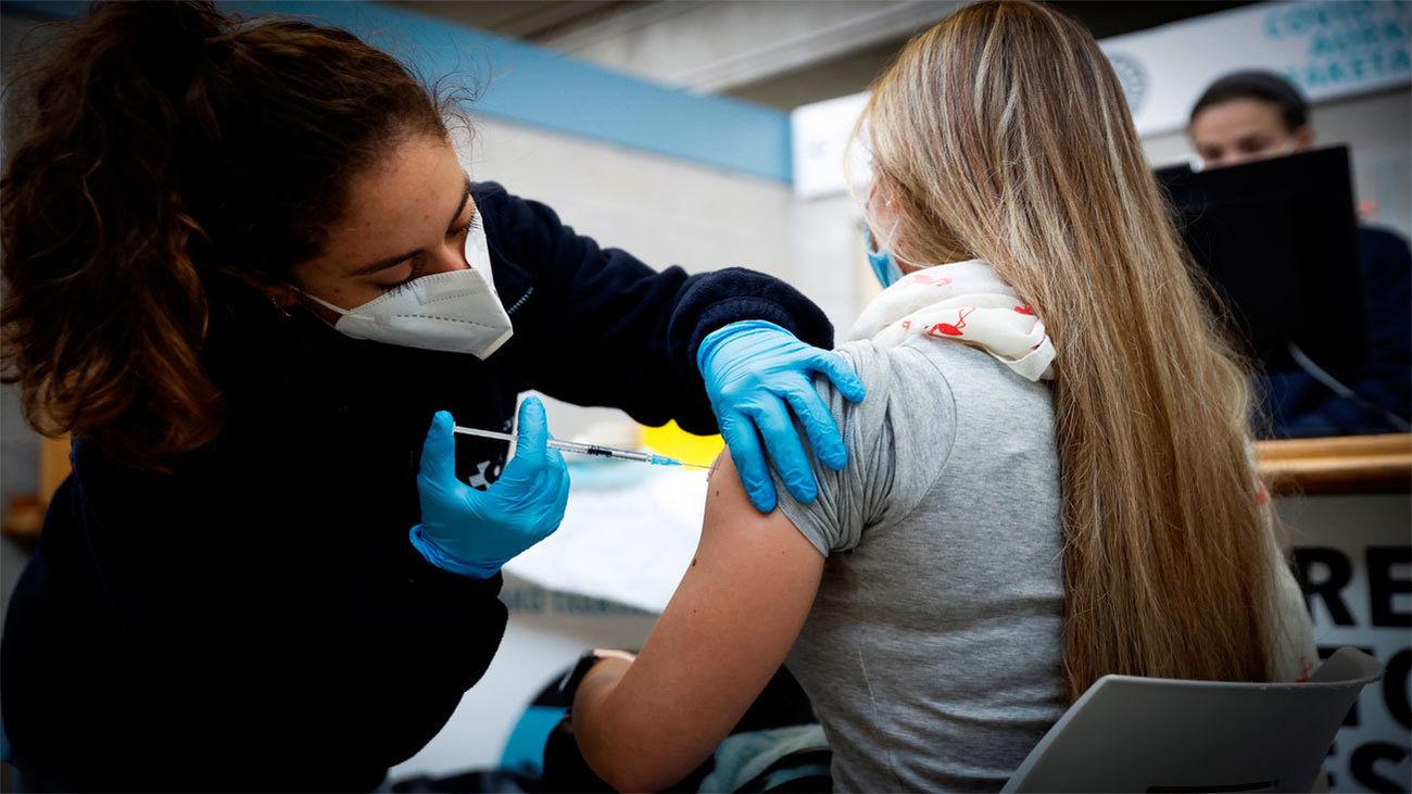 Sanidad registra 7.665 nuevos casos de Covid-19 con 117 muertes