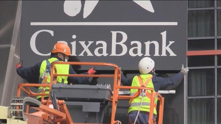 """Los sindicatos de CaixaBank piden al Frob y a la Fundación """"La Caixa"""" rechazar en la Junta la subida salarial a  los directivos"""