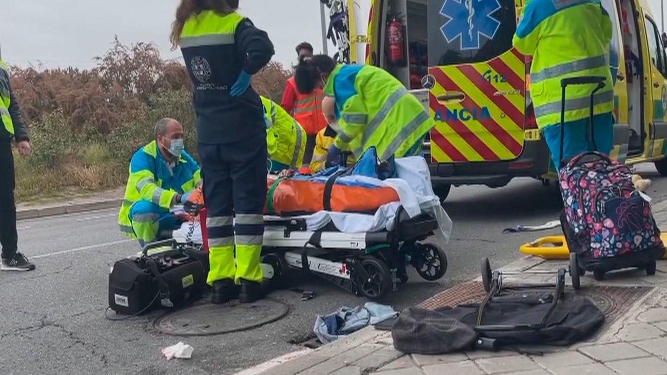 Un coche arrolla a tres personas mientras cruzaban un paso de cebra en Las Rozas