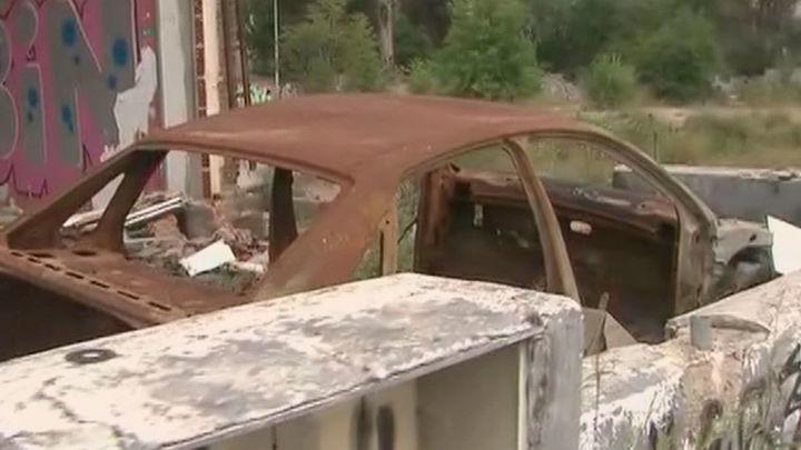 Una nave abandonada en  Villaverde Alto, convertida en un vertedero y en un peligro para los vecinos