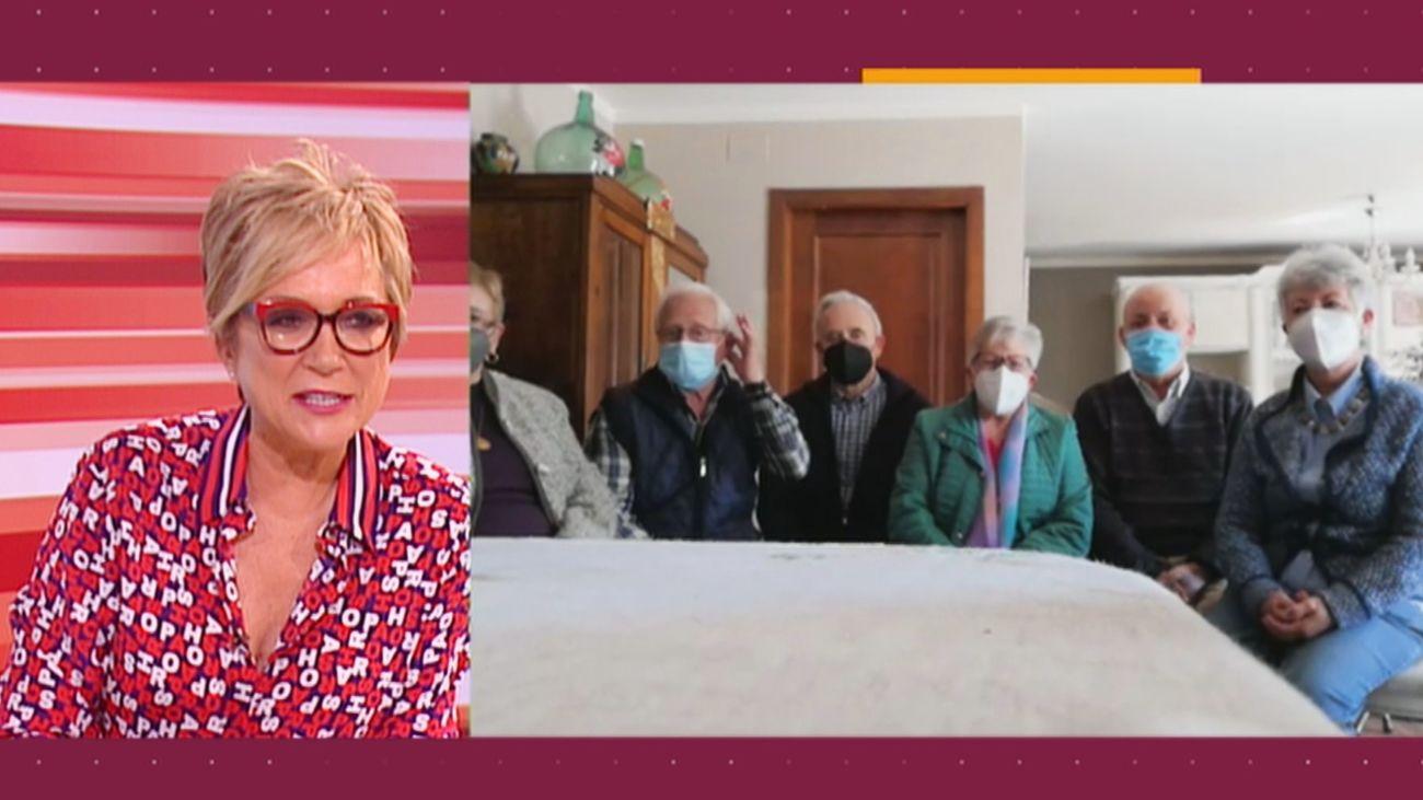 Cinco hermanos se vacunan el mismo día contra la Covid