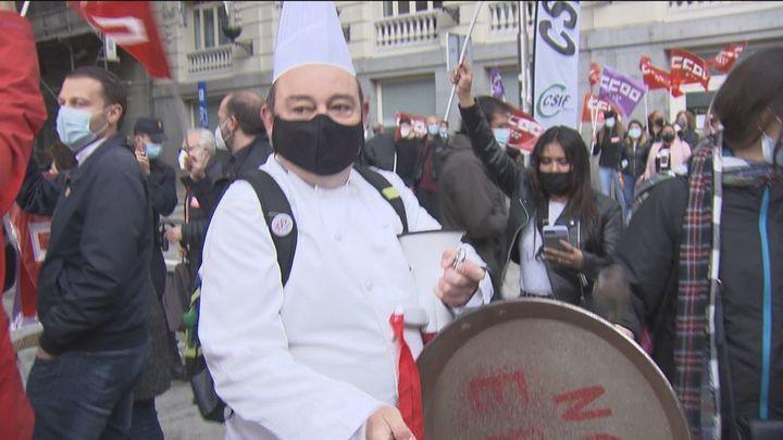 Trabajadores del hotel Palace protestan contra el ERE para 159 empleados y aseguran que hay alternativa