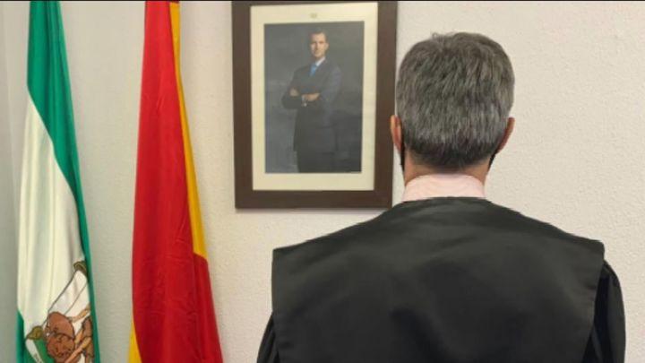Los jueces se fotografían de espaldas en las redes para exigir la despolitización en la renovación del Poder Judicial