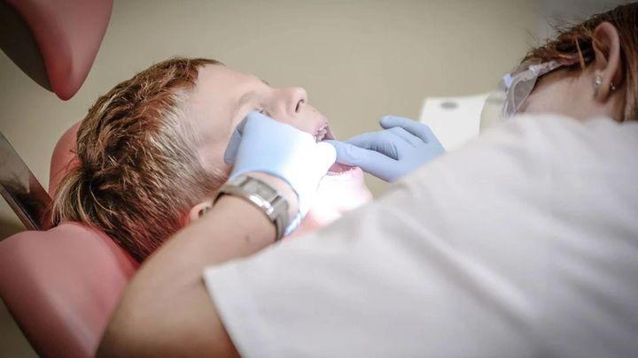 El 49% de los españoles no fue al dentista el año pasado