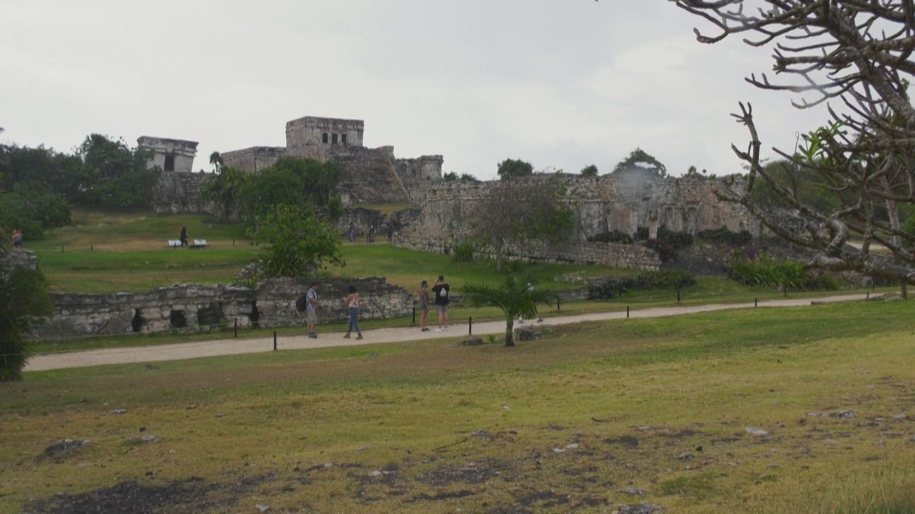 Tulum y la única ciudad de la cultura maya, situada junto al mar, que se conserva