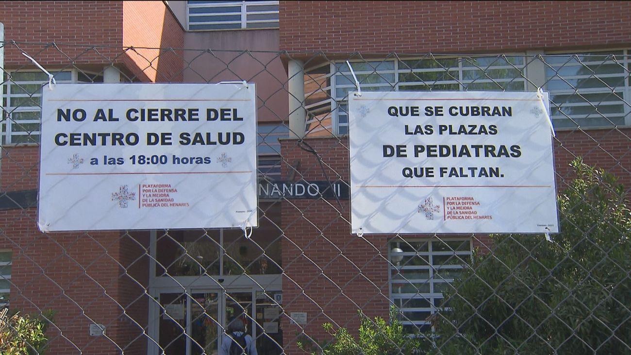 Firmas por la falta de pediatras en San Fernando de Henares y para pedir que se refuerce la Atención Primaria