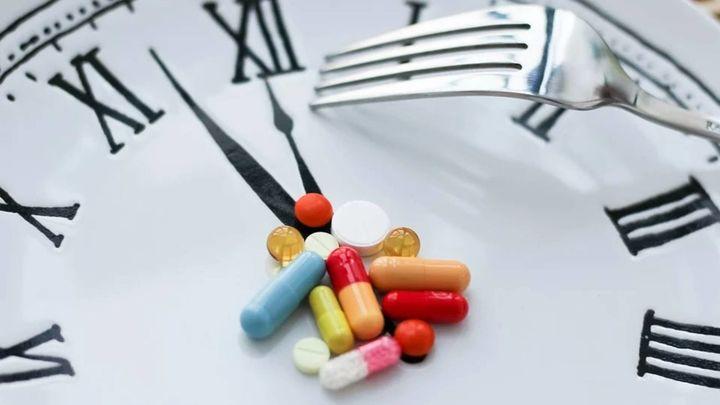 Cuidado con mezclar la comida con algunos medicamentos