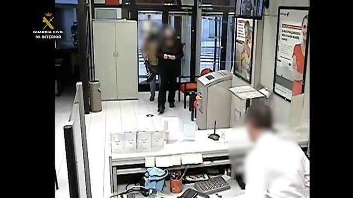 La Guardia Civil detiene a dos personas por atracar tres bancos en Navarra y Zaragoza