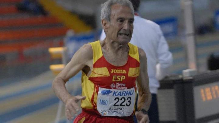 Manuel Alonso, de 85 años, bate el récord del mundo de 1.500 de su categoría