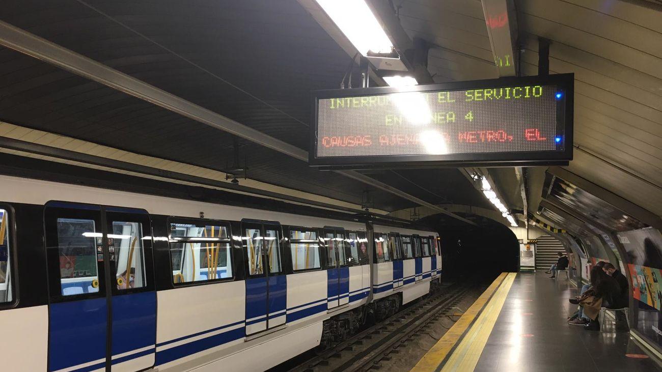 Andén de la estación de Alonso Martínez