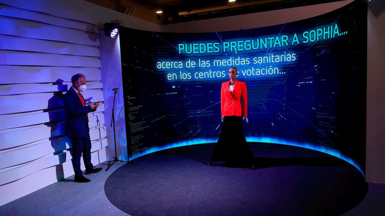 Madrid aplica la inteligencia artificial por  primera vez en un proceso electoral a través del robot Sophia