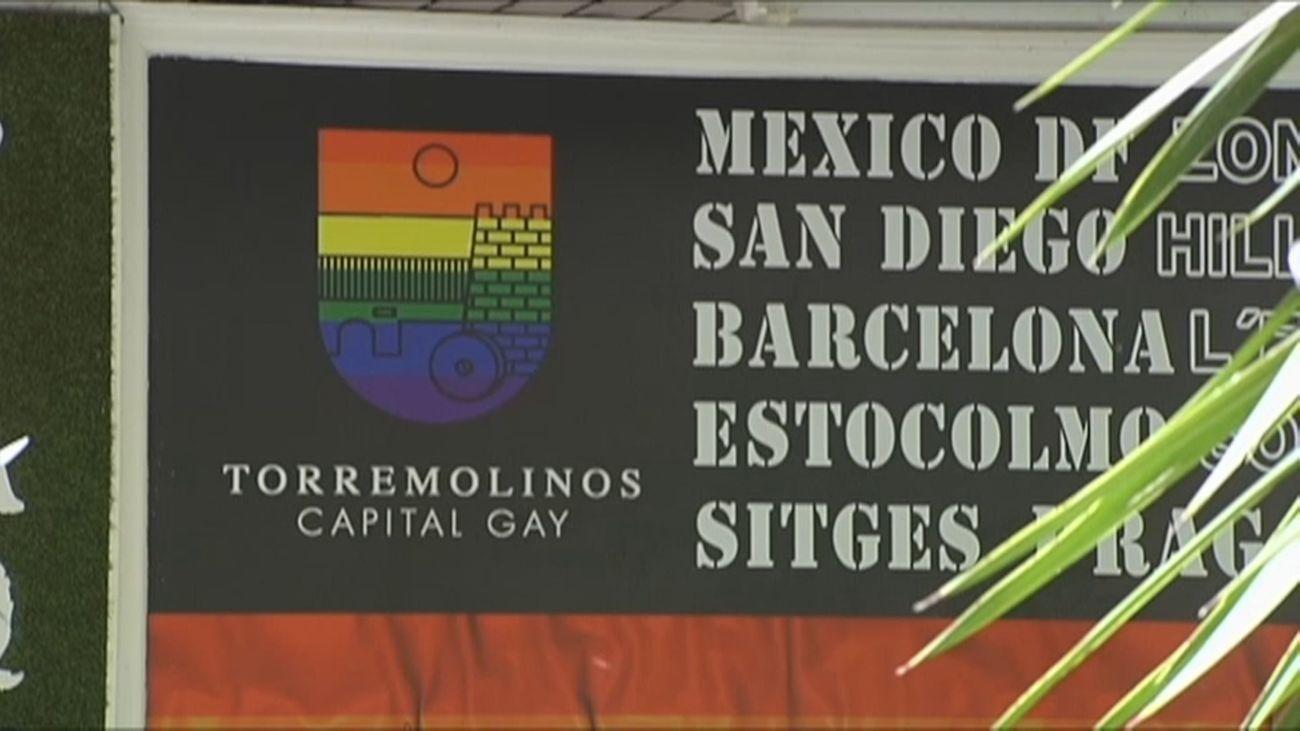 Un bar gay de Torremolinos busca camareros heteros y camareras lesbianas