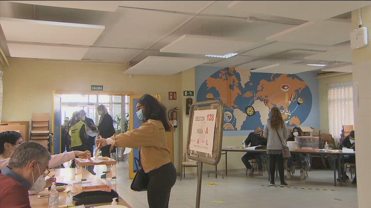 La Comunidad establece una web y una aplicación para consultar el aforo en los colegios electorales en tiempo real