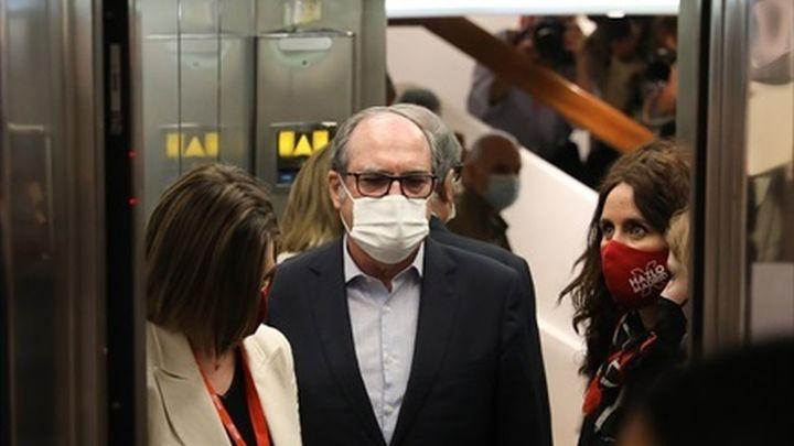 Gabilondo no dimitirá, recogerá su acta de diputado y el PSOE aplaza los cambios