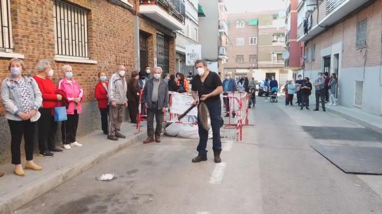 """Tercera cacerolada contra los okupas en Carabanchel: """"Los vecinos estamos hartos de esta situación"""""""
