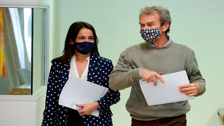 Simón asegura que la pandemia va bien mientras Sanidad notifica 7.960 casos y 160 muertes