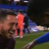 Ni Stamford Bridge enciende la luz a Hazard, que acabó a carcajadas