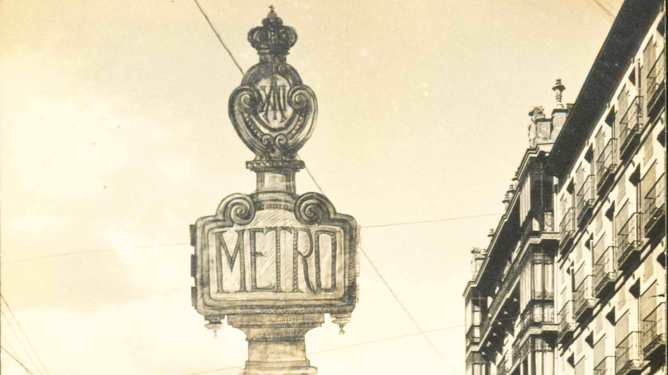 Farola anunciadora de la estación de Cuatro Caminos