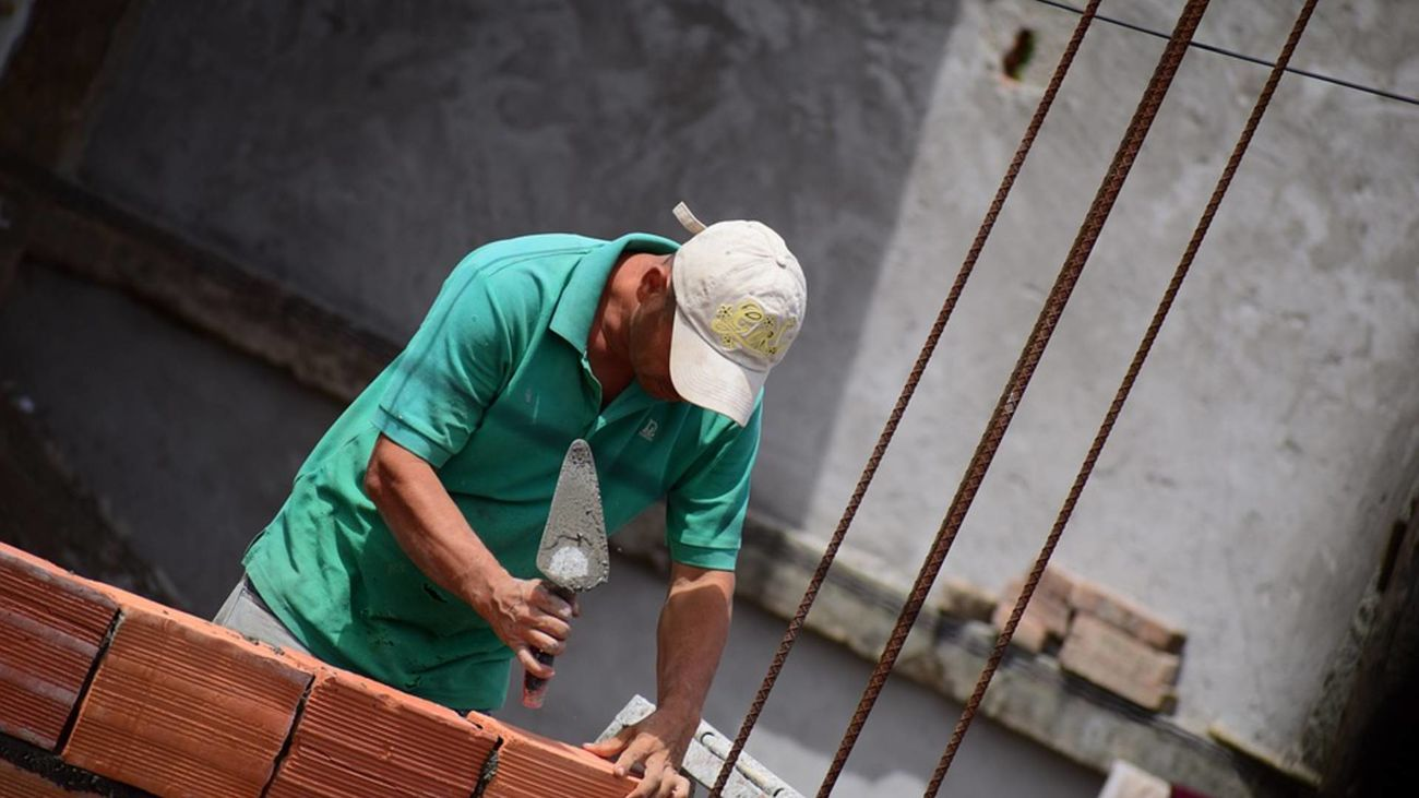 Alemania busca albañiles españoles con sueldos de 2.600€ al mes