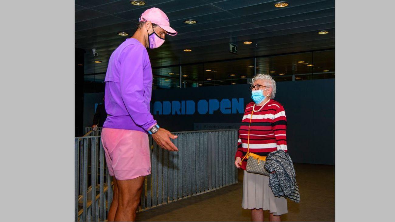 Manuela, de 93 años, cumple su sueño de conocer a Nadal