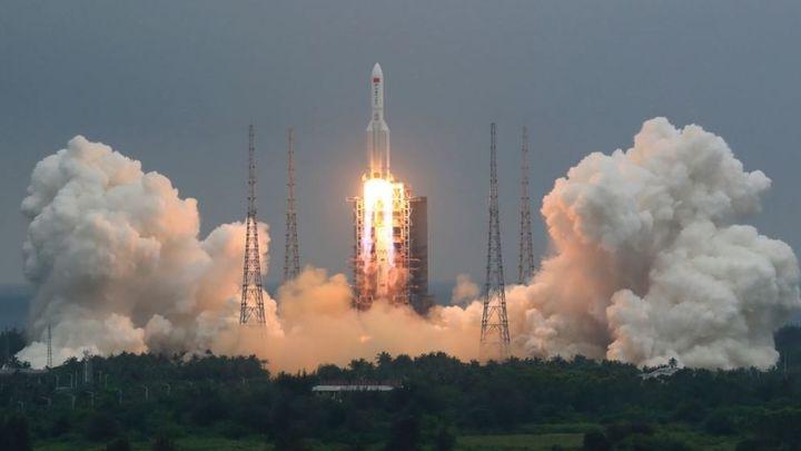 El Ejército del Aire español vigila la caída a la Tierra del cohete chino