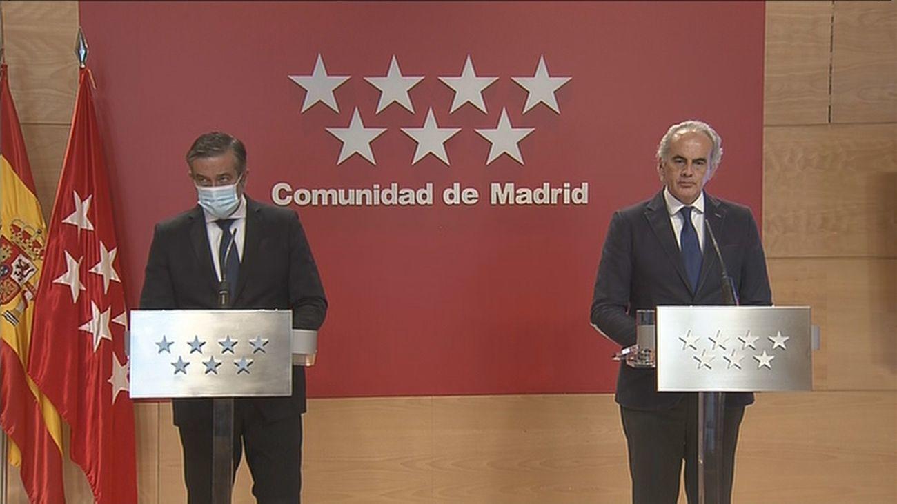 Enrique López y Enrique Ruiz Escudero en rueda de prensa