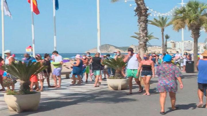 """Reino Unido deja fuera a España en su """"lista verde"""" de 12 destinos de viajes turísticos"""