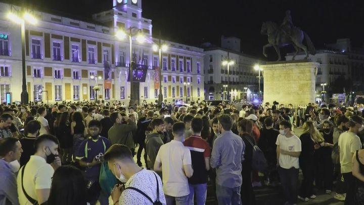 La Policía Municipal realizó esta noche en Madrid más de 450 intervenciones por las aglomeraciones