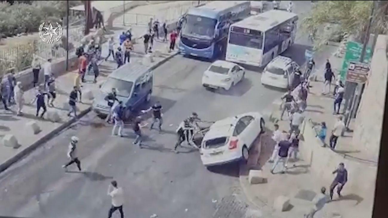 Crece la tensión en Jerusalén y los enfrentamientos dejan más de 300 palestinos heridos