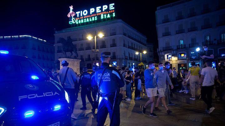 """El Gobierno pide el toque de queda en Madrid y ofrece ayuda a los alcaldes para evitar el """"libertinaje"""""""