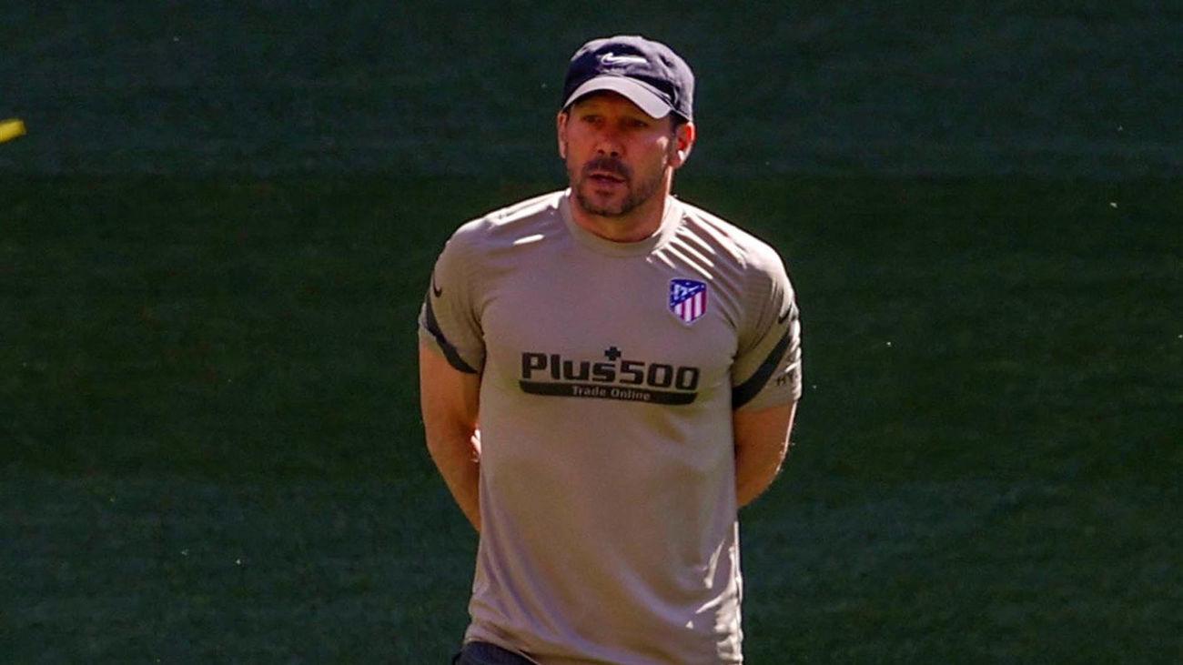 """Simeone: """"Cuando se juega bien y se gana no se habla de los árbitros"""""""