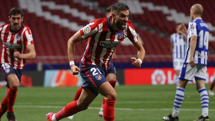 2-1. El Atlético gana a la Real Sociedad y pone la directa hacia el título