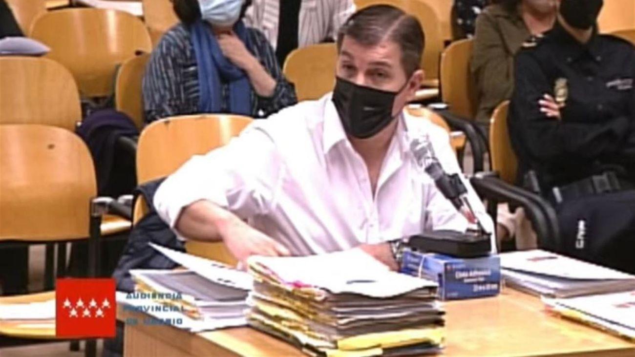 Captura de video de la señal institucional del Tribunal Superior de Justicia que muestra al acusado César Román Viruete, conocido como el Rey del Cachopo