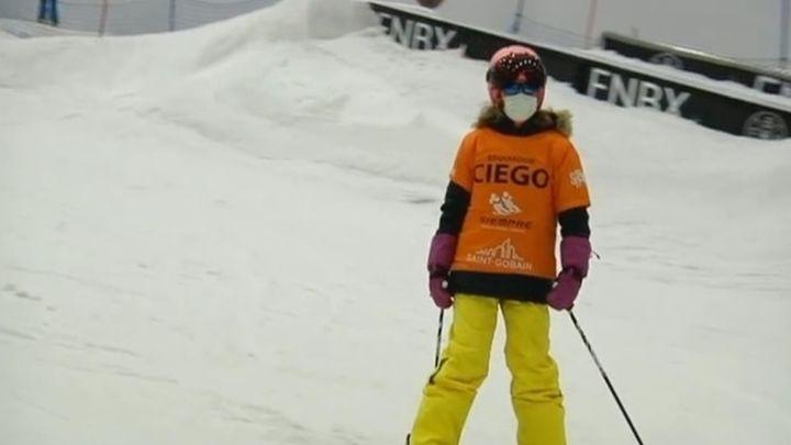 Esquí para personas con discapacidad visual en Madrid