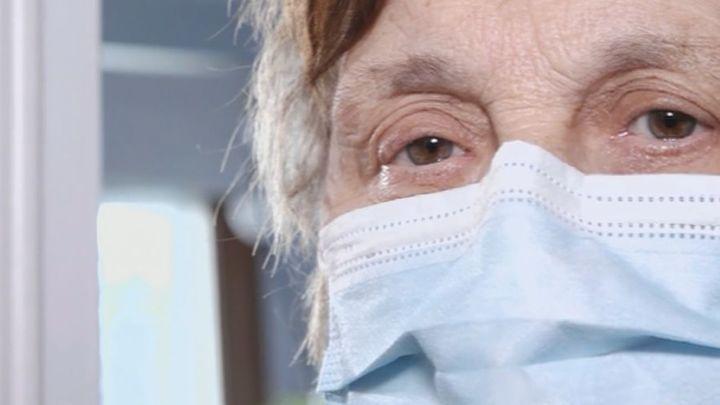 El drama de vivir sin ascensor a los 82 años en Hortaleza