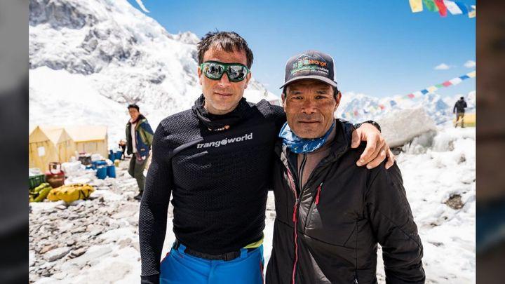 Unos 40 alpinistas españoles, atrapados en Nepal