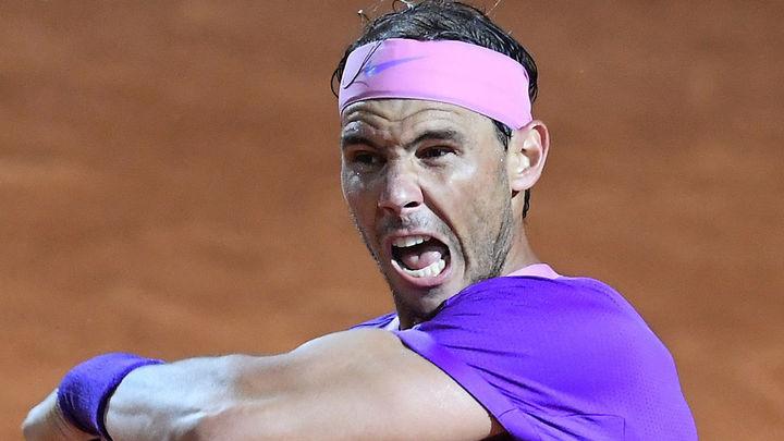 Nadal salva dos bolas de partido ante Shapovalov y se mete en cuartos de Roma