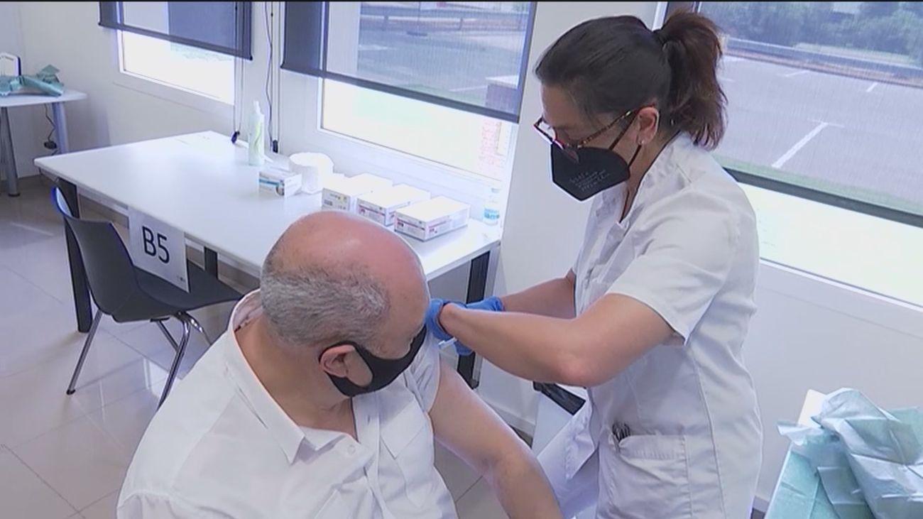 Seat, primera empresa que empieza a vacunar a sus trabajadores
