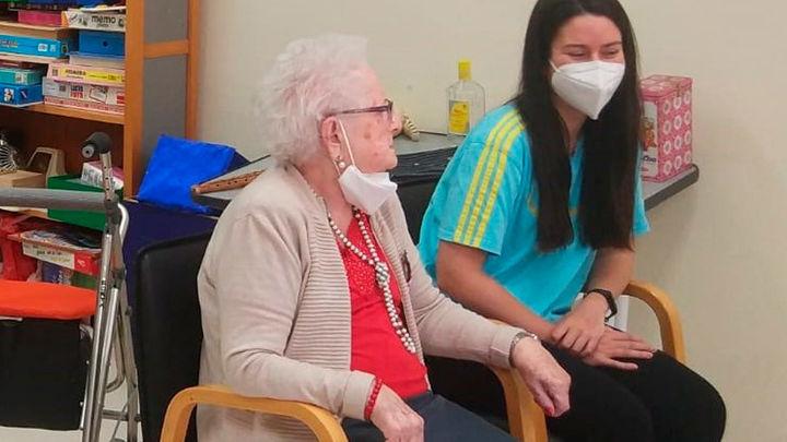 Todos los residentes inmunizados podrán recibir visitas en sus habitaciones