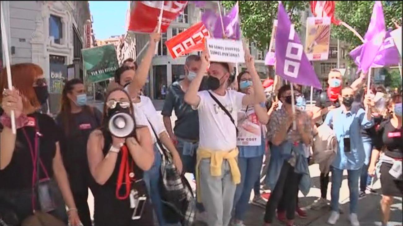 Trabajadores de H&M promueven paros por un ERE que afecta al 20% de la plantilla