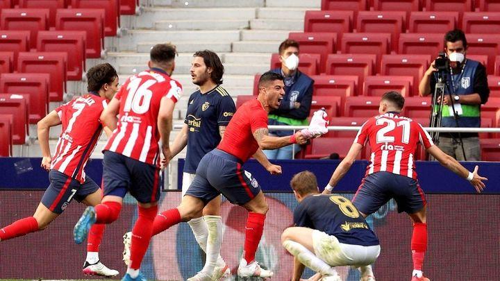 2-1. El Atlético remonta a Osasuna y depende de sí mismo para ganar la Liga