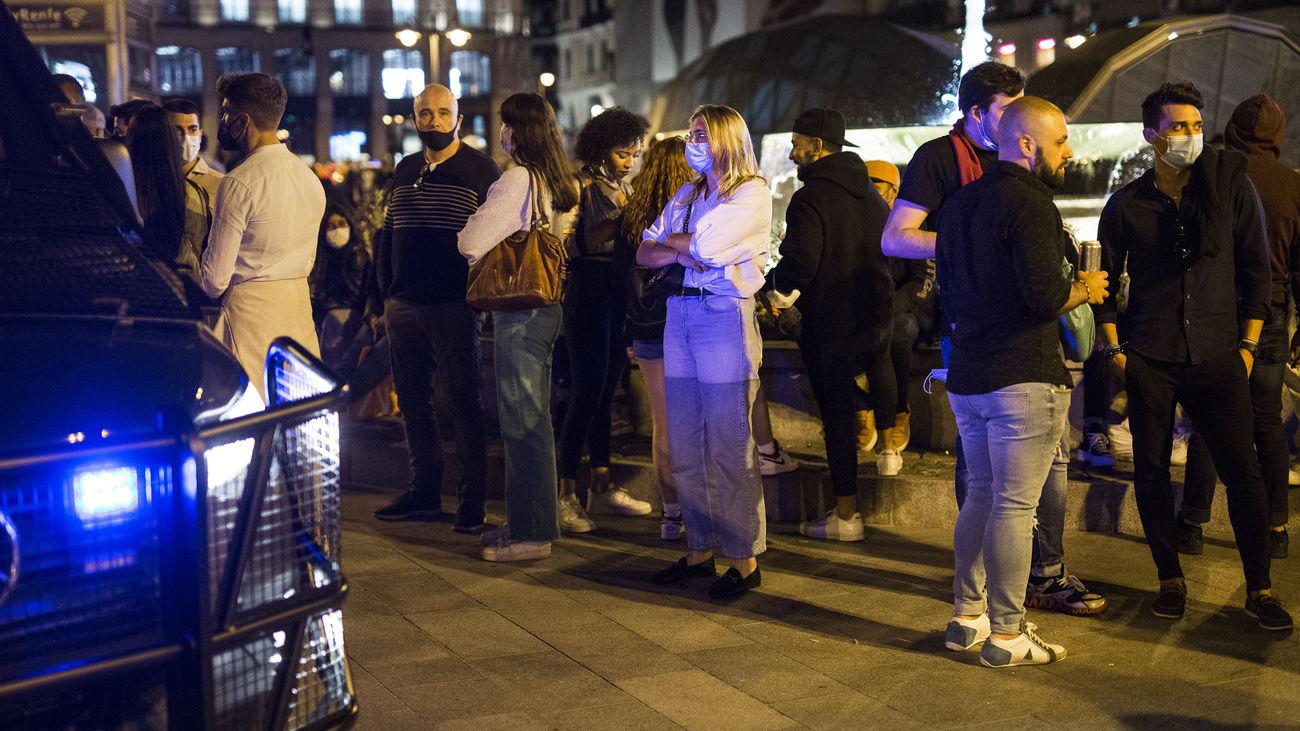 Jóvenes en la Puerta del Sol el pasado sábado