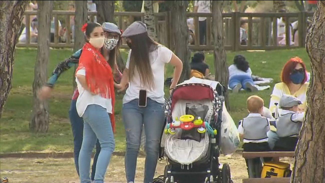 """Almeida destaca el comportamiento ejemplar durante San Isidro: """"800 multas por 3 millones de habitantes"""""""