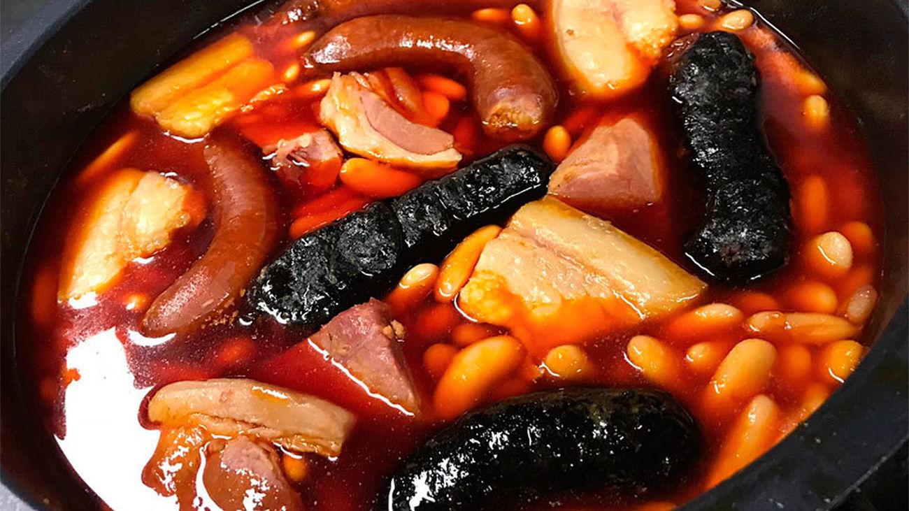 Guiso de fabada asturiana